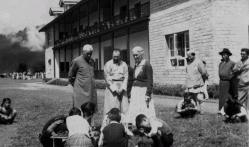 Pndit Jawaharlal Nehru, N. K. Rustomjee and Grace Patternson infront of PNG School Building